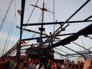 Espetáculo no navio do Capitão Hook